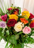 Vikiflowers flowers delivery uk 20 Mix Roses Bouquet