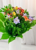Vikiflowers flowers by post Mix Freesias Bouquet