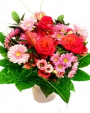 Vikiflowers online flower delivery Candy Bouquet
