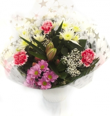 Vikiflowers flowers online uk Cherry Bouquet