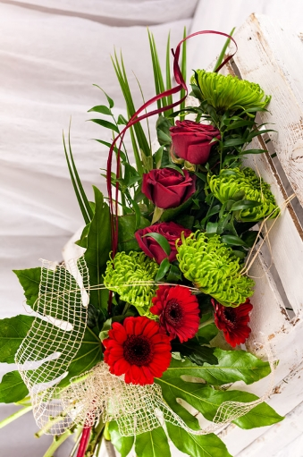 Vikiflowers flower deliveries Extravagancy Bouquet