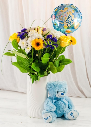 Vikiflowers flowers delivery uk It's a Boy