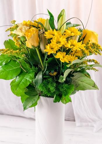 Vikiflowers send flowers online Lemon Lips Bouquet