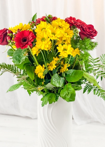 Vikiflowers online flower delivery Party Bouquet