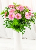 Vikiflowers flowers by post Pink Gerberas Bouquet