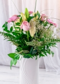 Vikiflowers online flower delivery Princes Bouquet