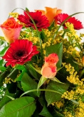 Vikiflowers flowers by post Sunshine Bouquet