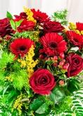 Vikiflowers flowers online uk True Love Bouquet