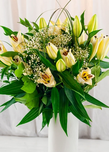 Vikiflowers flowers delivered uk White Lilies Bouquet