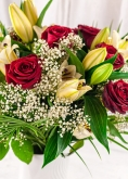 Vikiflowers flowers delivery uk Fantasy Bouquet