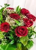 Vikiflowers flowers online uk Lovers Choice