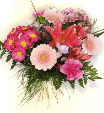 Vikiflowers flowers for delivery Tinkerbell Bouquet