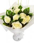 Vikiflowers flower bouquets White Roses Bouquet
